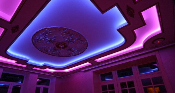 Многоцветная RGB лента в качестве ночной подсветки