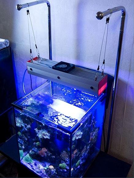 Подвесное освещение аквариума